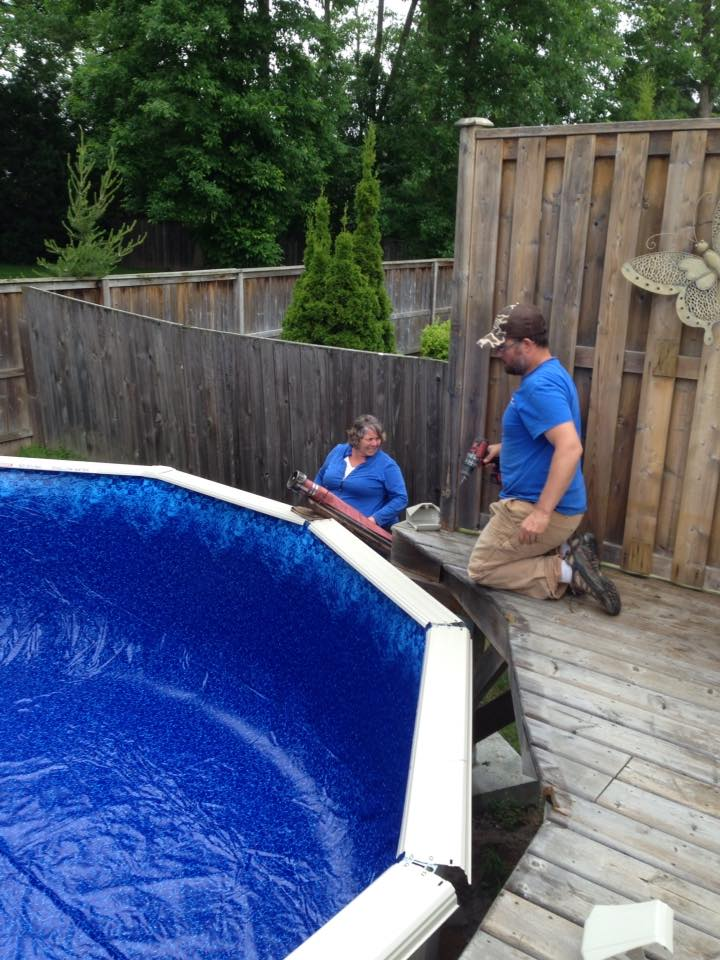 Above ground pool kingston pools and hot tubs knapp 39 s for Installing pool liner in cold weather